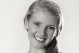 Black and white photographic portrait of the scientist Evelina Fedorenko