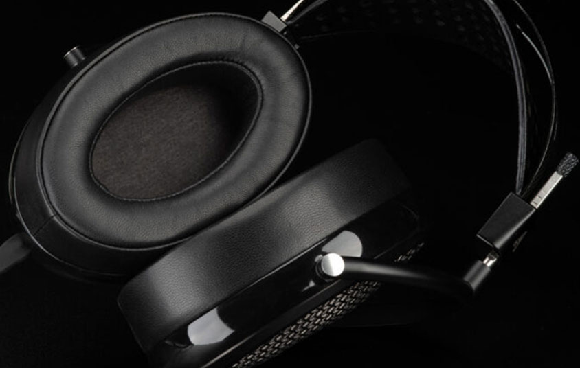 Headphones that help tune out the noise of a magnetic resonance imaging machine.